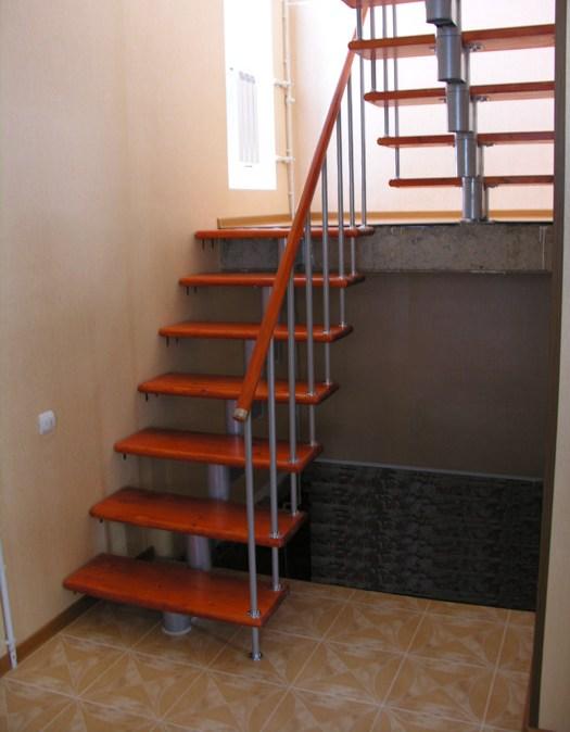 Наша лестница с площадкой