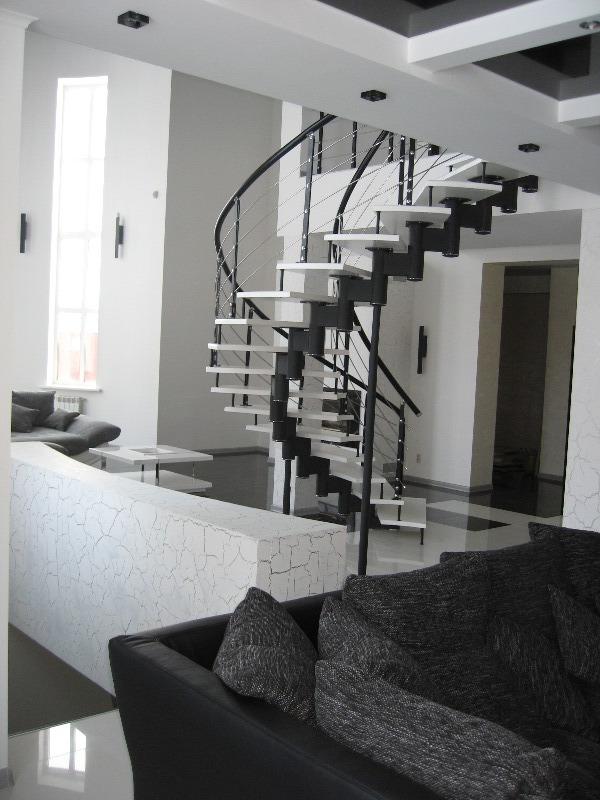 Произвольная Лестницы в Курске, лестница на второй этаж частного дома недорогая для самостоятельной сборки красивая современная воздушная
