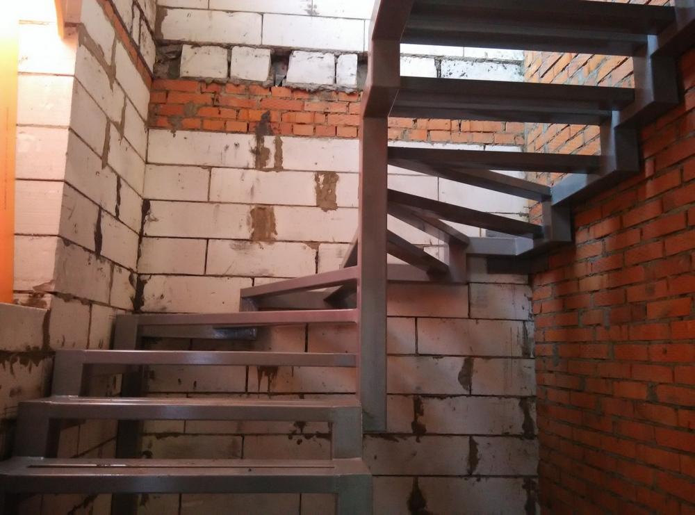 сварнаяЛестницы в Курске, лестница на второй этаж частного дома недорогая для самостоятельной сборки красивая современная воздушная
