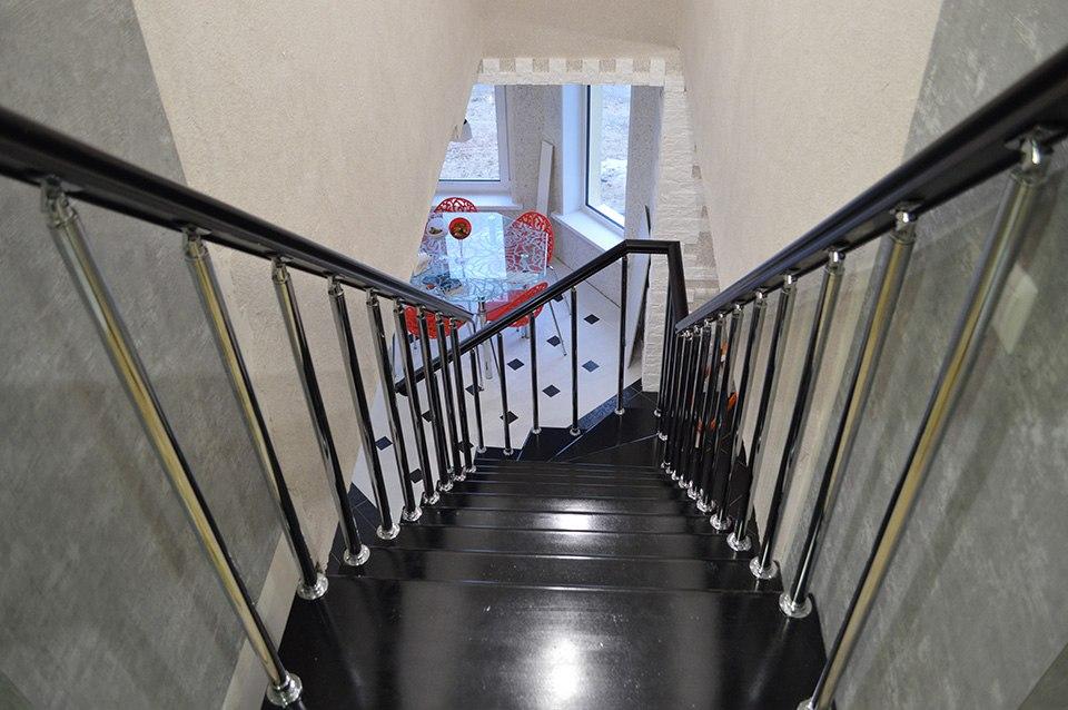 Лестницы в Курске, лестница на второй этаж частного дома недорогая для самостоятельной сборки красивая современная воздушная чердачная