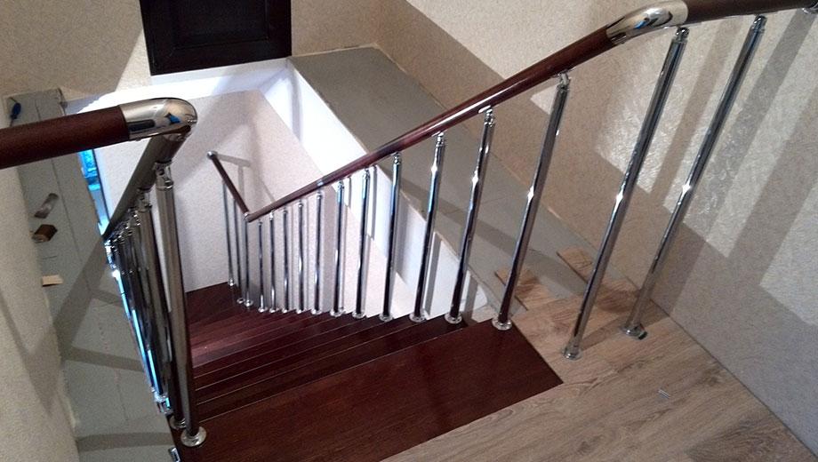 Ограждение лестницы в современном доме Лестницы в Курске, лестница на второй этаж частного дома недорогая для самостоятельной сборки красивая современная воздушная чердачная