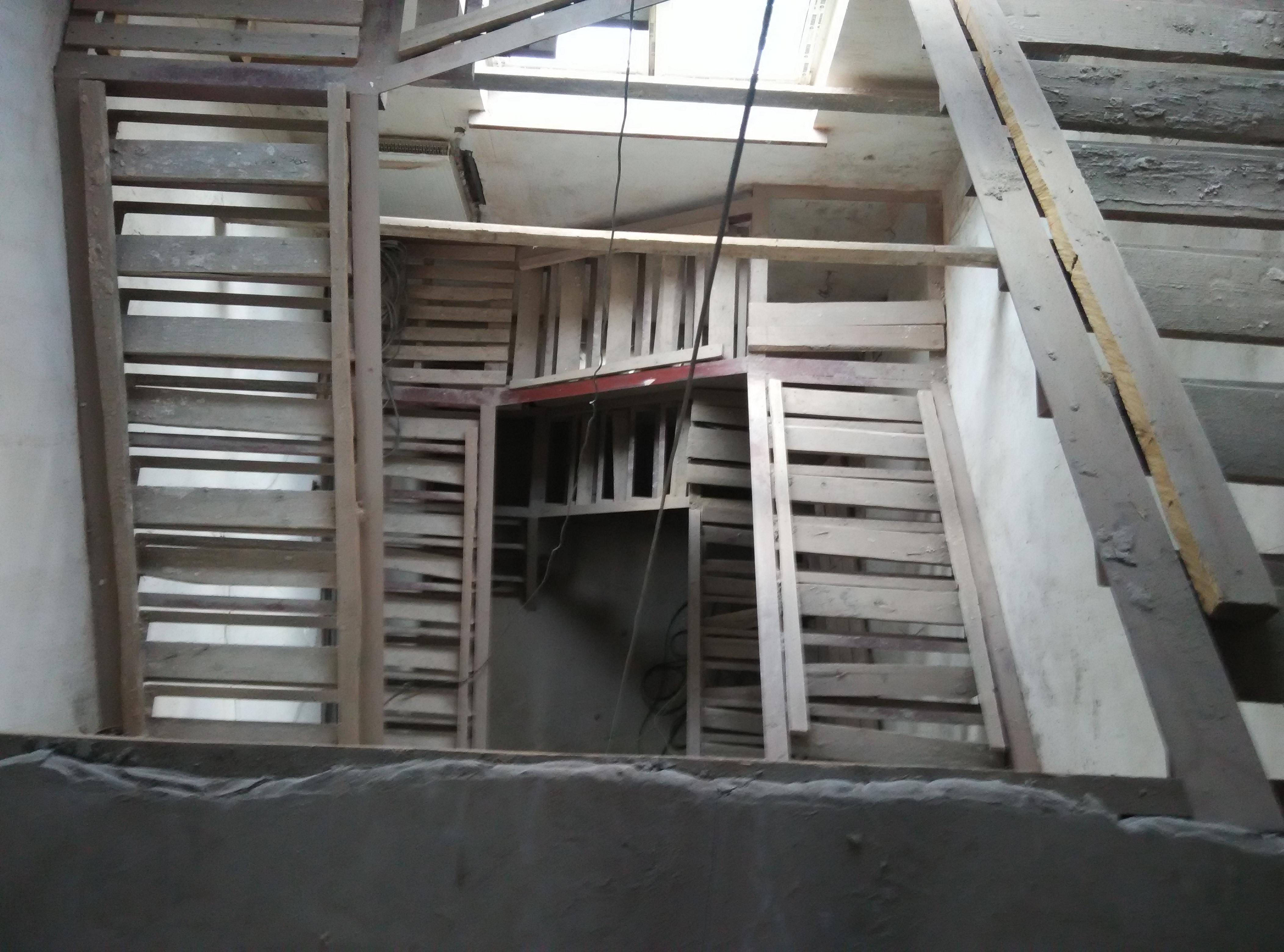 Неправильный каркас лестницы
